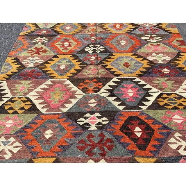 "Tribal Vintage Turkish Kilim Rug-4'8'x7'9"" For Sale - Image 3 of 8"