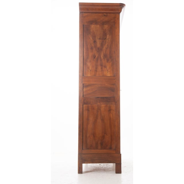 French 19th Century Walnut Louis Philippe Armoire - Image 9 of 10