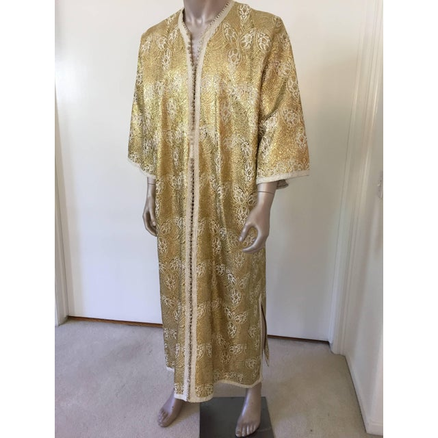1960s Moroccan Caftan in Silver and Gold Brocade Vintage Gentleman Kaftan For Sale - Image 9 of 9