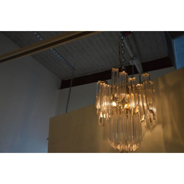 Mid Century Modern Lucite and Brass Waterfall Chandelier - Image 7 of 7