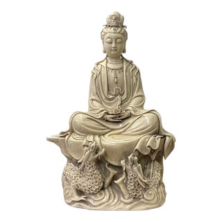 Oriental Vintage Finish Off White Ivory Color Porcelain Kwan Yin Statue For Sale