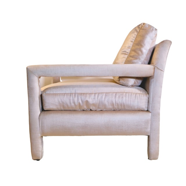 Contemporary Pair of Milo Baughman Style Parsons Chairs in Blush Velvet For Sale - Image 3 of 9