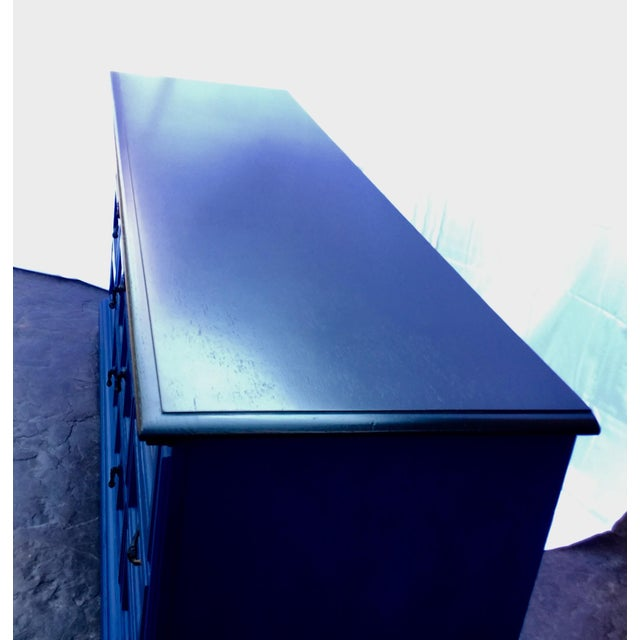 1970s Vintage Dixie Lacquered Blue and Black Dresser For Sale In Phoenix - Image 6 of 11