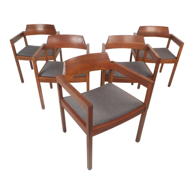 Set Of Five Mid Century Modern Walnut Dining Chairs By Gunlocke