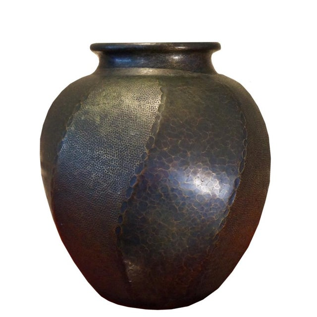 1930s Japanese Hand Hammered Copper Vase For Sale In Los Angeles - Image 6 of 6
