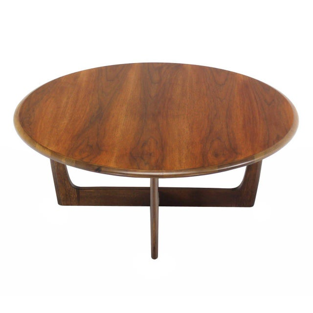 Nice walnut X-base round coffee table in style of Adrian Pearsall.