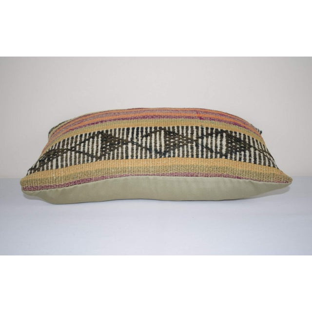 Vintage Turkish Lumbar Pillow Cover, Ethnic Tribal Kilim Pillow 12'' X 20'' (30 X 50 Cm) For Sale - Image 4 of 6