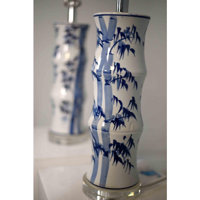 Mid-Century Modern Contemporary Chinoiserie Blue and White Bamboo Motif Table Lamps - a Pair For Sale - Image 3 of 9