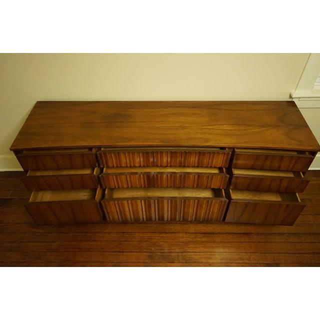 Mid-Century Modern 9-Drawer Dresser - Image 9 of 11