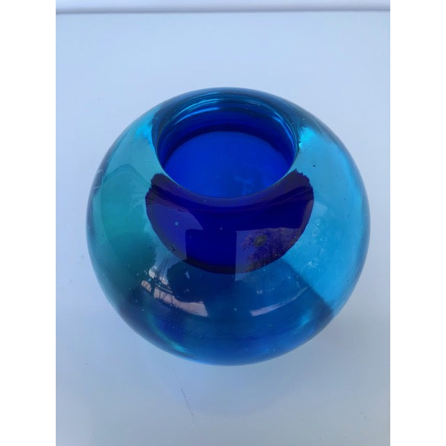 Blue Glass Sommerso Paper Weight Attributed to Flavio Poli For Sale In Miami - Image 6 of 8