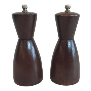 Mid Century Wooden Salt Pepper Shakers - Set of 2 For Sale
