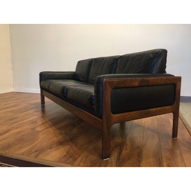 Wood Komfort Mid Century Rosewood & Leather Sofa For Sale - Image 7 of 11