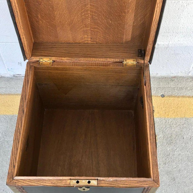 Regency Style Brass-Mounted Leather Cube Trunk For Sale - Image 4 of 10