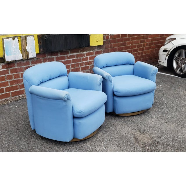 Metal Pair Contemporary Vintage 1970s T. Coggin Style Swivel Club Armchairs For Sale - Image 7 of 10