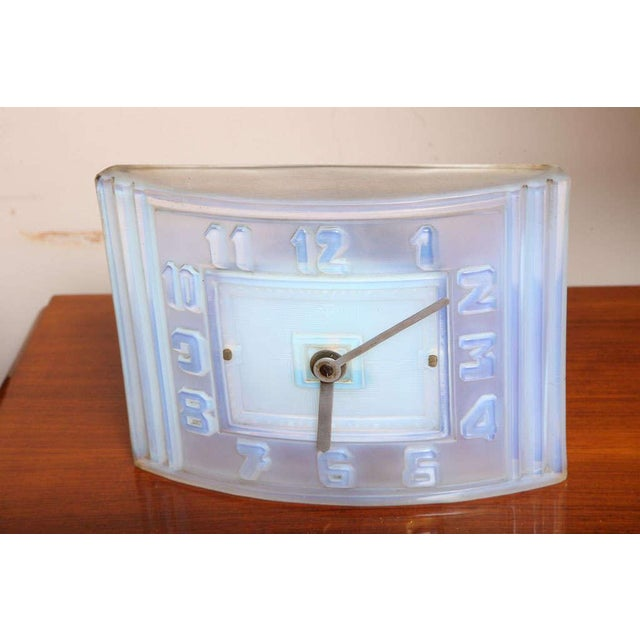 1930s Léon Hatot 'ATO' Opalescent Glass Mantle Clock For Sale - Image 5 of 7
