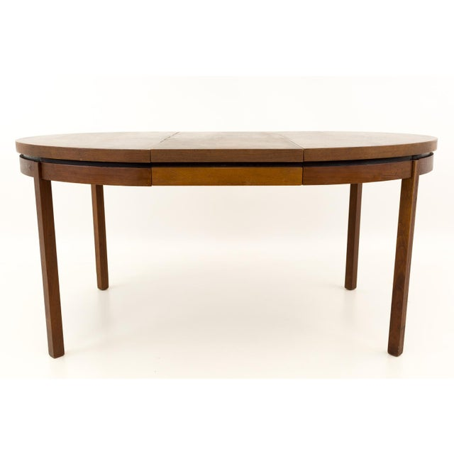 Brown Mid Century Modern Milo Baughman for Dillingham Esprit Round Dining Table For Sale - Image 8 of 13