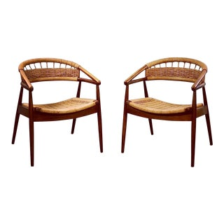 Vintage Mid Century Modern Lounge Chairs- a Pair For Sale
