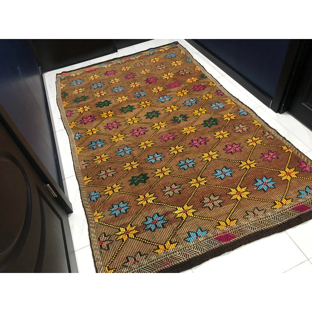 1960s 1960s Vintage Turkish Handwoven Traditional Decorative Kilim Rug- 5′3″ × 8′6″ For Sale - Image 5 of 11