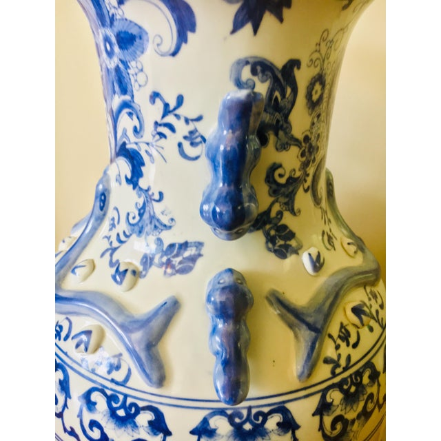 """25"""" Large Asian Shogun Chinese Blue and White Porcelain Urn For Sale In Baltimore - Image 6 of 10"""