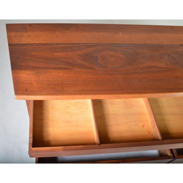Mid-Century George Nakashima Eight-Drawer Chest of Drawers-Dresser in Walnut For Sale In Philadelphia - Image 6 of 7