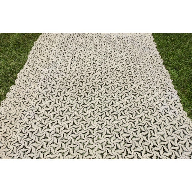 Cotton Hand Crocheted Ecru Pin Wheel Pattern Table Cloth or Bedspread For Sale - Image 7 of 9