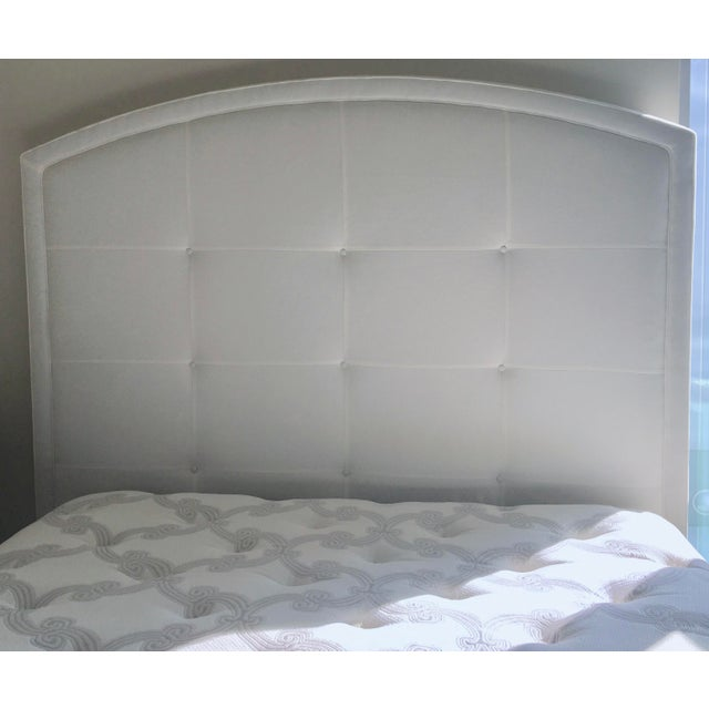 Lee Industries Lee Industries Arch Upholstered Queen Size Bed White For Sale - Image 4 of 8