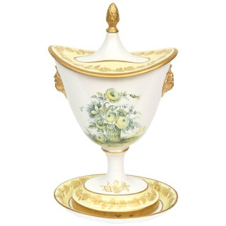 Yellow Covered Vase and Stand, Vintage Mottahedeh, Rose Floral Motif For Sale