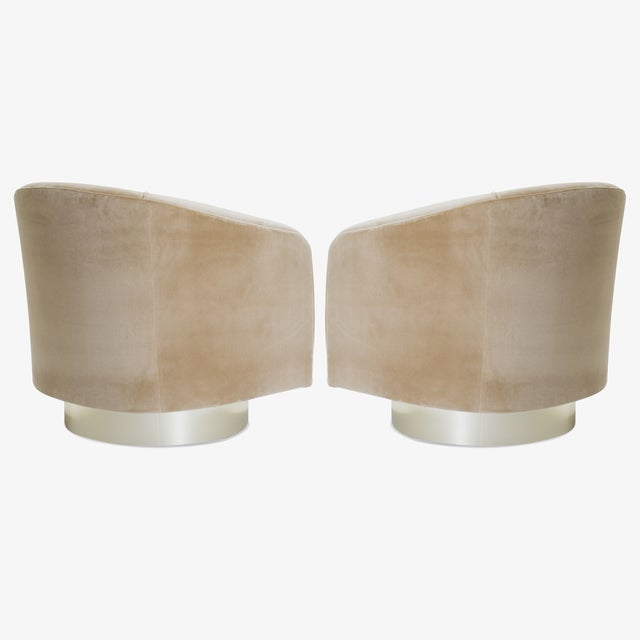 Montage Swivel Tub Chairs in Camel Velvet With Polished Brass Bases, Pair For Sale - Image 4 of 10