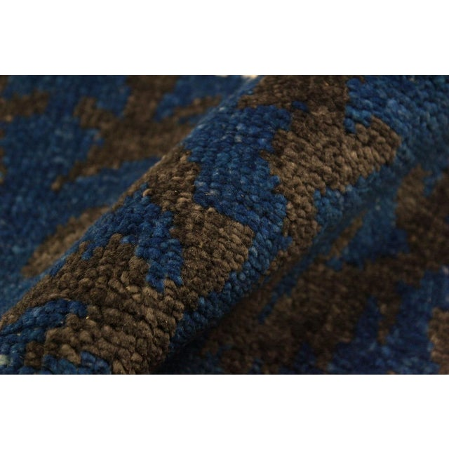 Abstract Cianna Modern Ramonita Blue/Ivory Wool & Viscouse Rug - 4'1 X 6'3 For Sale - Image 3 of 8