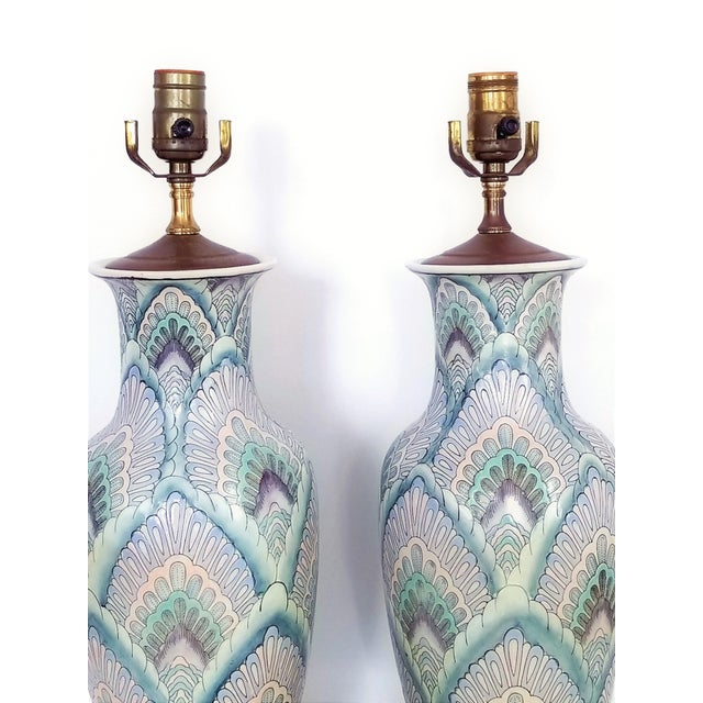 Abstract Vintage Peacock Phoenix Bird Feather Ceramic Porcelain Chinese Table Lamps -Pair- Asian Mid Century Modern Boho Chic Tropical Coastal Palm Beach Qing For Sale - Image 3 of 13