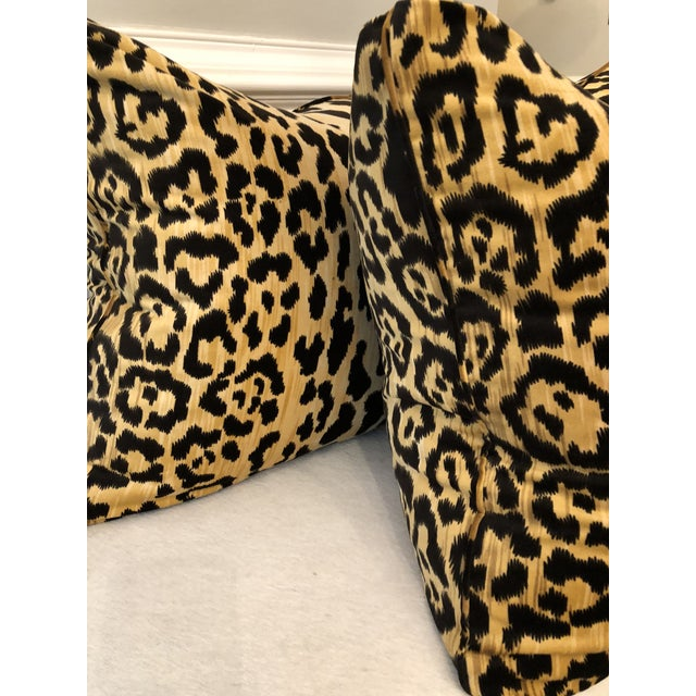"Traditional Leopard Velvet 22"" Pillows-A Pair For Sale - Image 3 of 5"
