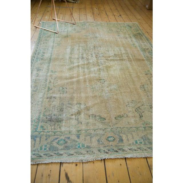 "Textile Vintage Distressed Oushak Carpet - 5'8"" X 8'3"" For Sale - Image 7 of 12"