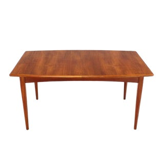 1970s Danish Modern Teak Boat-Shaped Extendable Table For Sale