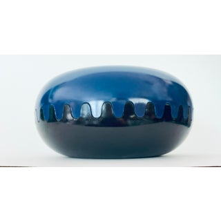 Blue and Black Alan Fletcher Clamshell Plastic Ashtray - Mebel Italy Preview