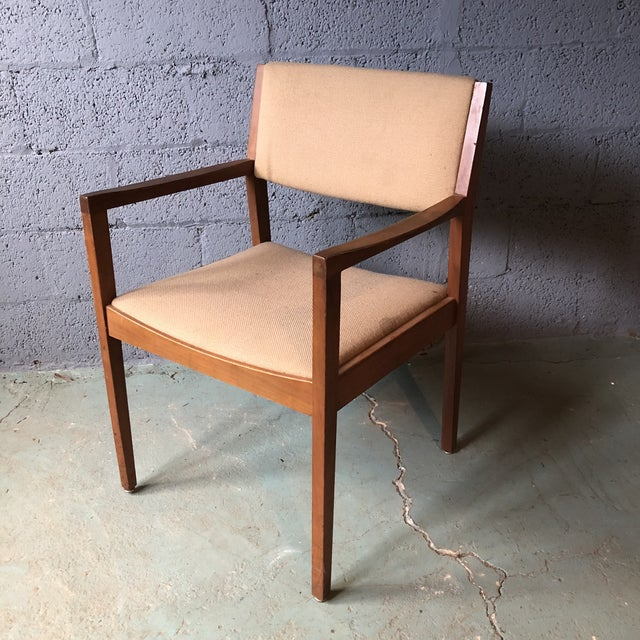 Mid Century Modern Walnut Dining Armchairs- Set of 6 For Sale In Philadelphia - Image 6 of 13