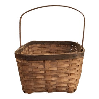 20th Century French Country Gathering Basket With Handle For Sale