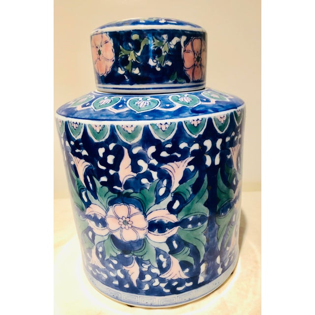 Ceramic Chinese Style Ceramic Pot With Lid/Topper For Sale - Image 7 of 7