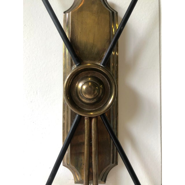 Hollywood Regency Neoclassical Arrow Wall Sconce of Brass For Sale - Image 3 of 11