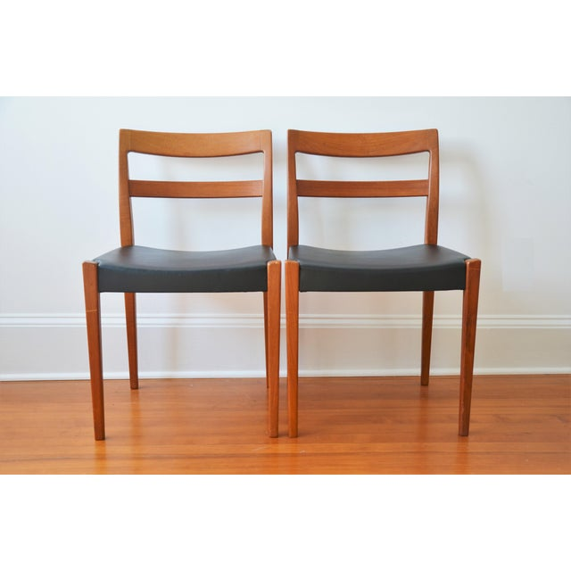 """Troeds of Sweden Swedish Modern Teak """"Garmi"""" Dining Chairs by Nils Jonsson for Troeds - a Pair For Sale - Image 4 of 11"""