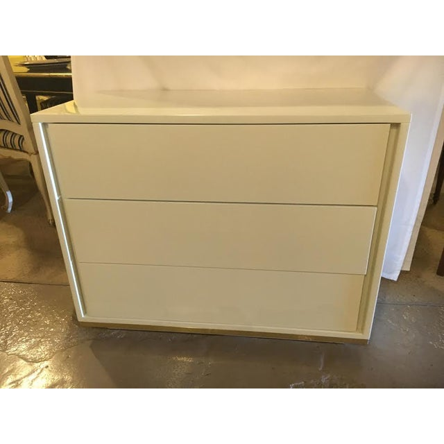 John Stuart Mid-Century Modern Chests- A Pair For Sale In New York - Image 6 of 7