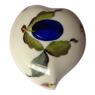 1960s Herend Hungarian Porcelain Heart-Shaped Covered Container For Sale