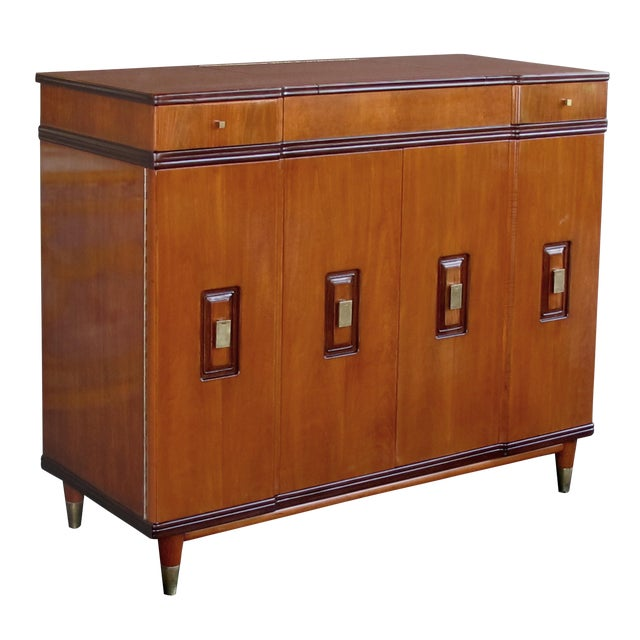 A Handsome and Rare American Mid-Century Walnut Dressing Cabinet by John Widdicomb For Sale