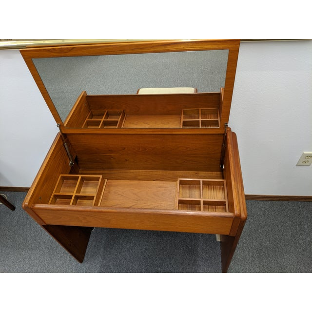Mid-Century Modern Danish Makeup Vanity With Stool For Sale - Image 3 of 10