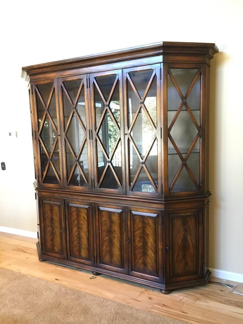 Hickory White Glass Front China Cabinet   Image 3 Of 10