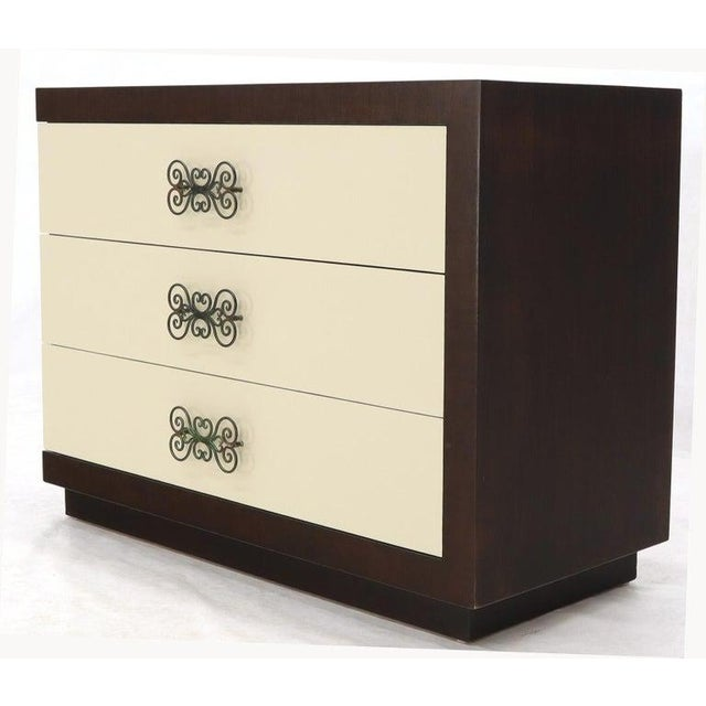 Mid 20th Century Pair of Two-Tone Mid-Century Modern Art Deco Bachelor Chests Dressers For Sale - Image 5 of 13
