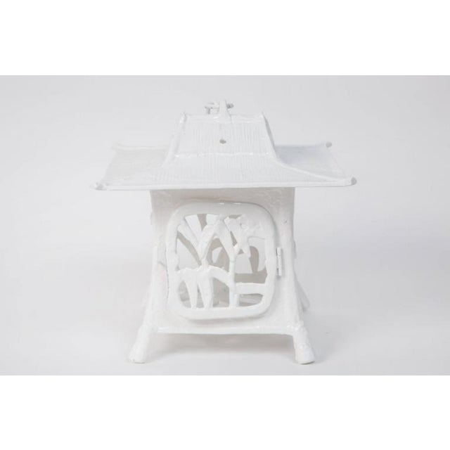 1960s Trio of White Lacquer Cast Iron Pagodas - Set of 3 For Sale In Los Angeles - Image 6 of 7