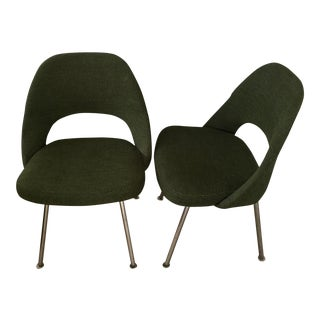 Knoll Saarinen Executive Armless Chairs - Pair For Sale