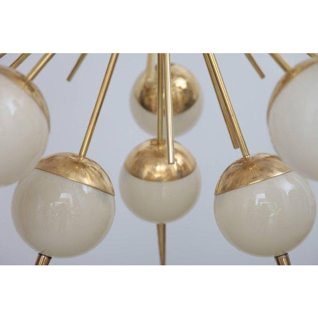 1980s 1 of 2 Huge Sputnik Murano Glass and Brass Chandelier Attributed to Stilnovo For Sale - Image 5 of 7