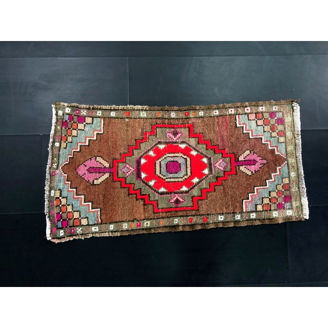 "1960's Vintage Distressed Turkish Anatolian Rug-1'7'x3'2"" For Sale In Phoenix - Image 6 of 6"