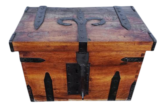 French Square Storage Trunk